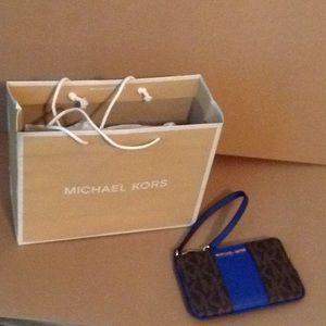 Michael Kors Center Stripe Wristlet